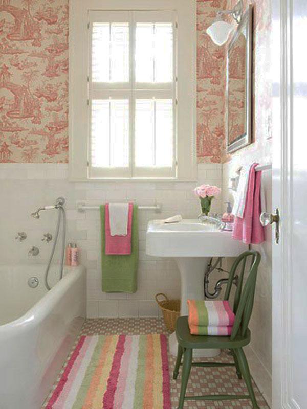 Compact Bathroom Decoration