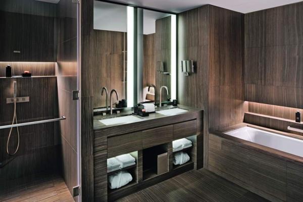 Old Fashioned Bathroom
