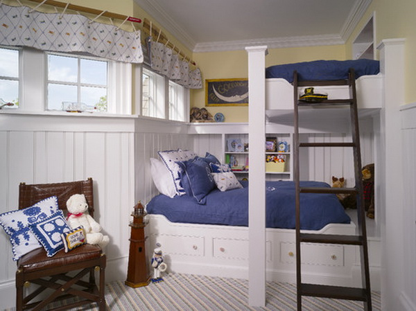 traditional-boys-bunkroom-design-by-harrison-design-associates