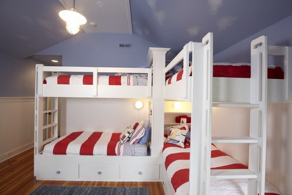 traditional-boys-bunkroom-design-by-stonebreaker-builders