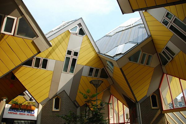 Cubic Houses (Rotterdam, Netherlands).