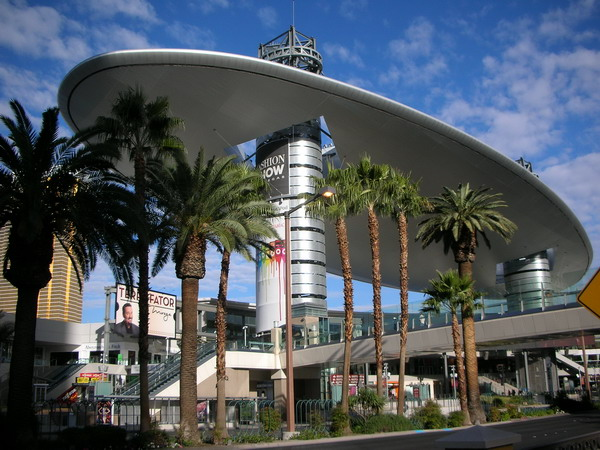 Fashion Show Mall (Las Vegas, United States). It is a shopping mall located on the Las Vegas Strip in Paradise, Nevada.