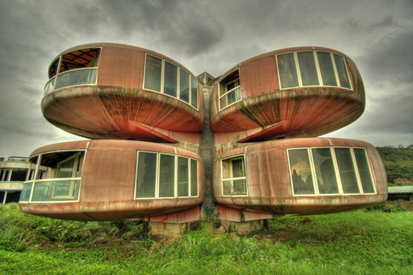 The UFO House (Sanjhih, Taiwan).