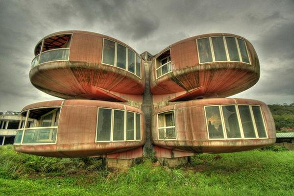 The UFO House (Sanjhih, Taiwan).