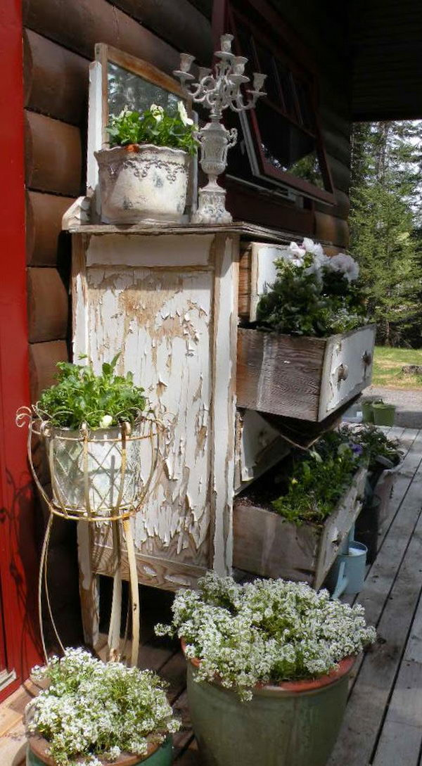 Old Dresser Planter Primitive Decorating Idea, - 20+ Best Primitive Decorating Ideas