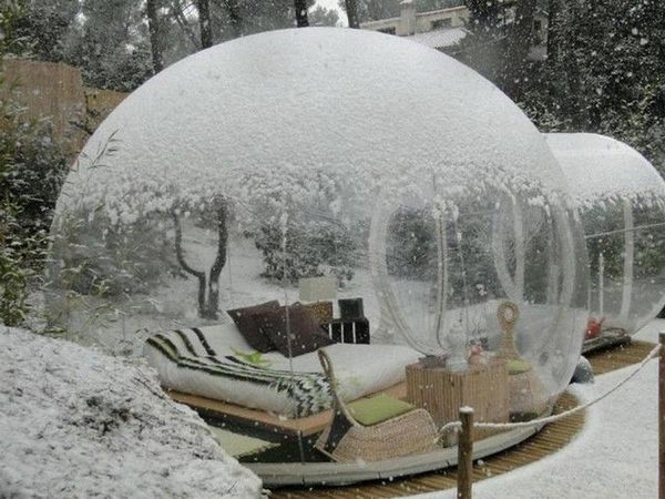 Attrap Reves - Bubble Hotel, France. This is a perfect place where you can sleep under the stars. Concept of sleeping in balloons are designed by French designer Pierre Stefan.