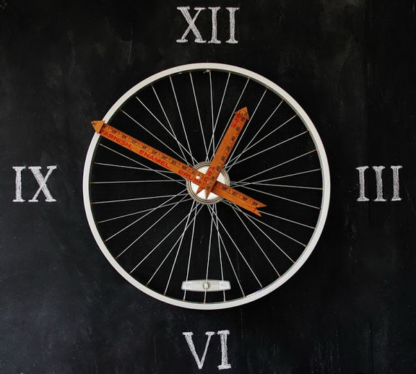 Yardsticks make the perfect hands on this bicycle wheel clock.