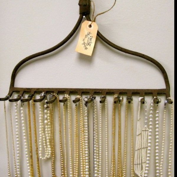 We can repurpose the head of the garden rake into a crafty necklace holder to make our bedroom organized and you can also find them easily next time.