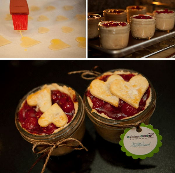 DIY Pie in a Jar. Arrange the gold baked dough hearts on the pies, decorate the jar with ribbon, labels to finish off its beautiful outlook. It's time to show off your excellent crafts to your family and friends at any occasions.