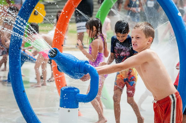 Water games facilities. The water games facilities give great fun for children and they are both safer, healthier than wading pools.