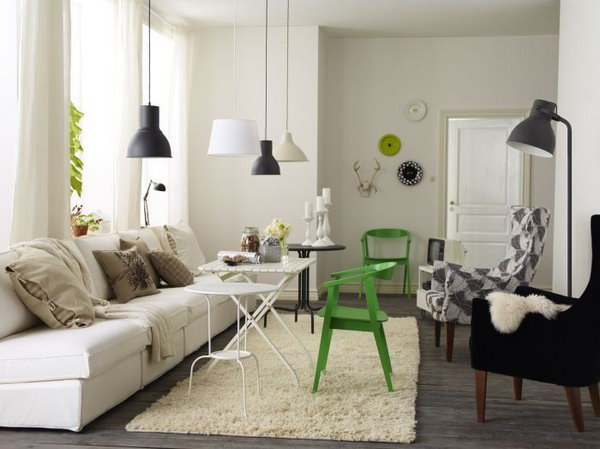 pendant lights really adds more modern feeling to this living space