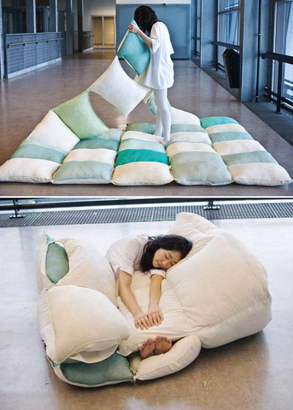 DIY Foldable Pillow Blanket .