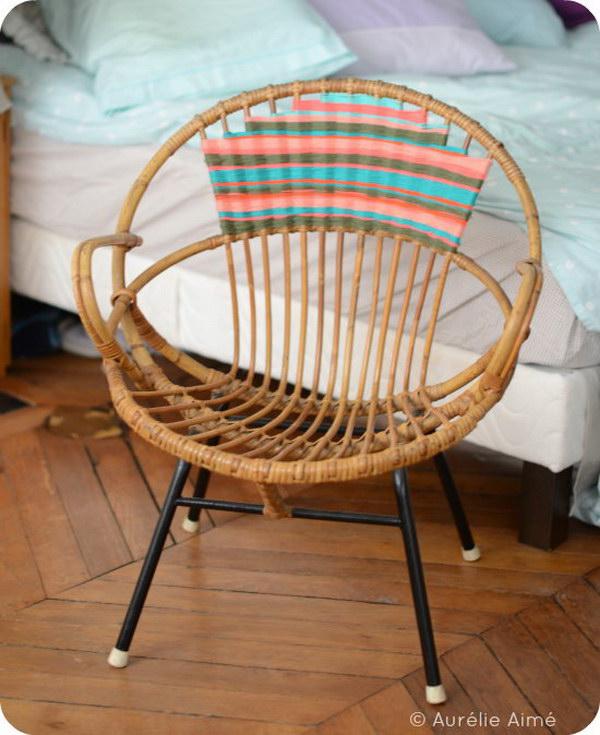 Navajo Inspired Yarn Chair. See the tutorial