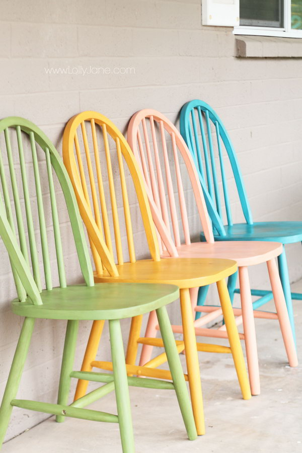 Chalky Paint Chairs Makeover. Get the tutorial