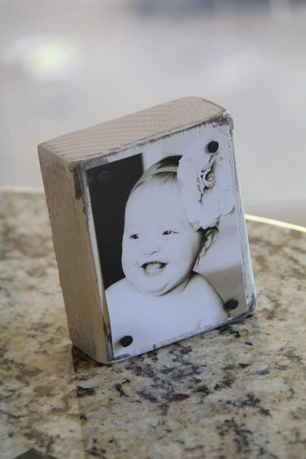 DIY Nailed Photo Blocks. Learn how to make it
