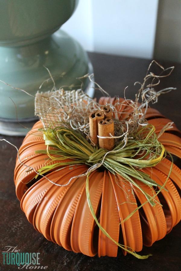 Mason Jar Lid Pumpkin Craft.