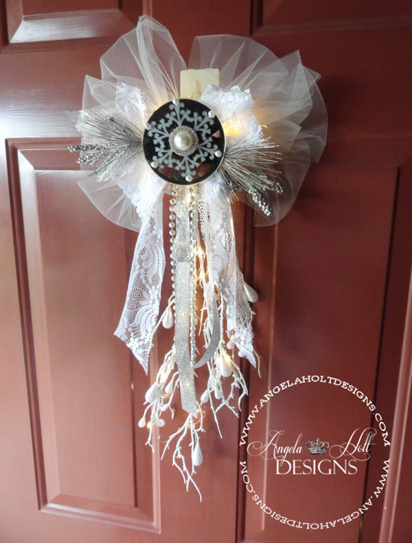 Shabby Chic Christmas Door Decoration.