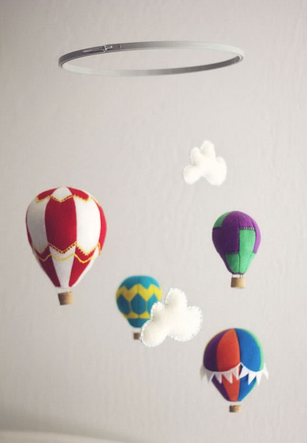 Felt Hot Air Balloon Mobile. Check out the tutorial