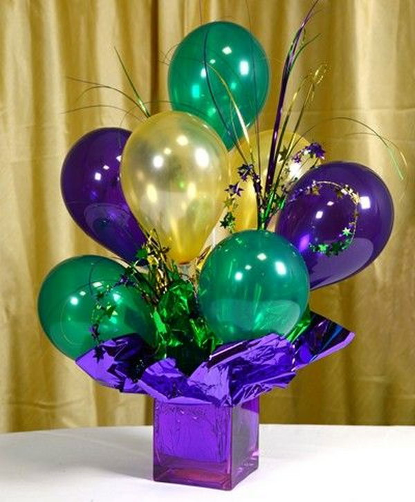 air filled balloon centerpieces - Christmas Balloon Decor