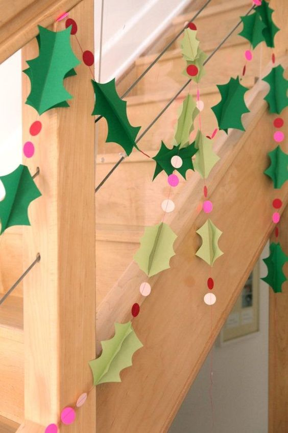 DIY Paper Christmas Holly Garland With Polka Dots.