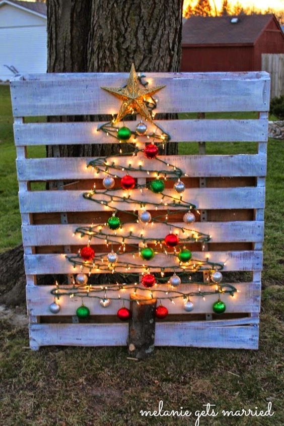 Wood Pallet Christmas Tree.