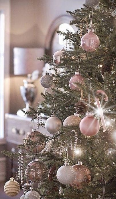 Pink Shabby Christmas Tree.