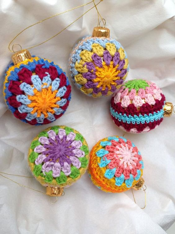 30 wonderful diy crochet christmas ornaments. Black Bedroom Furniture Sets. Home Design Ideas