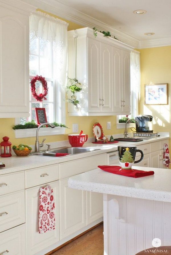 Merveilleux Bright White Kitchen Cabinets Paired With Soft Yellow Walls