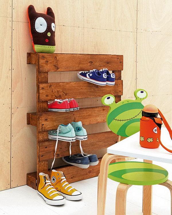 DIY Pallet Shoe Rack.