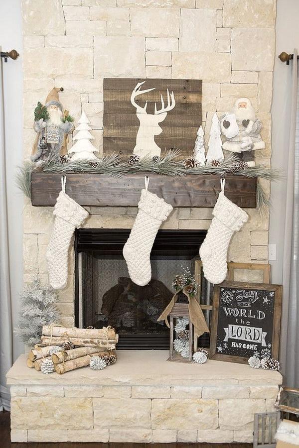 Rustic Woodland Christmas Mantel Decoration.