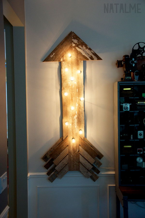Reclaimed Barn Wood Arrow Sign. Check out the tutorial