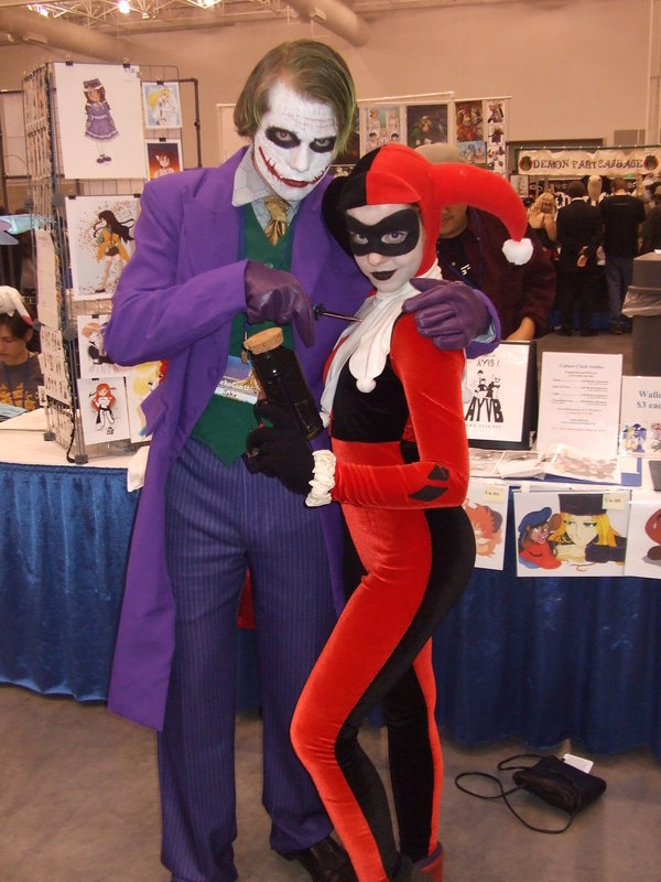 Joker And Harley Quinn Couple Costumes.