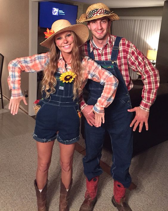 Scarecrow Couple Costume.