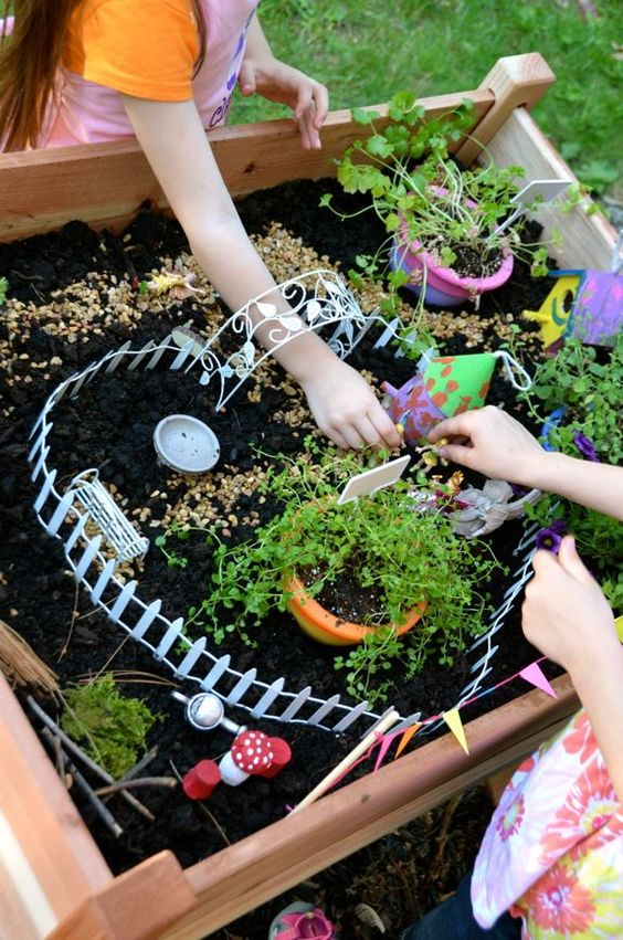 DIY Fairy Garden Table.
