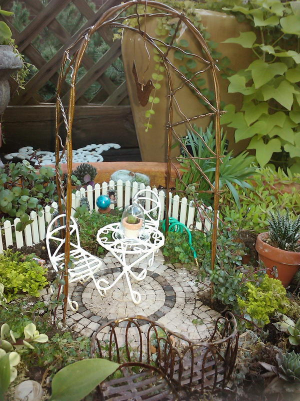 DIY Fairy Garden Nook for Tea Time.