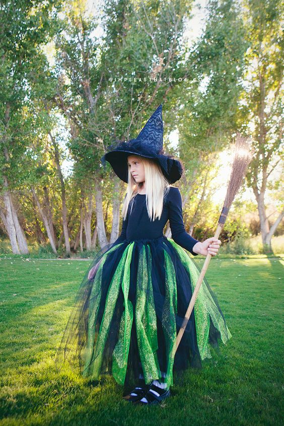 Wicked Witch of the West Costume.